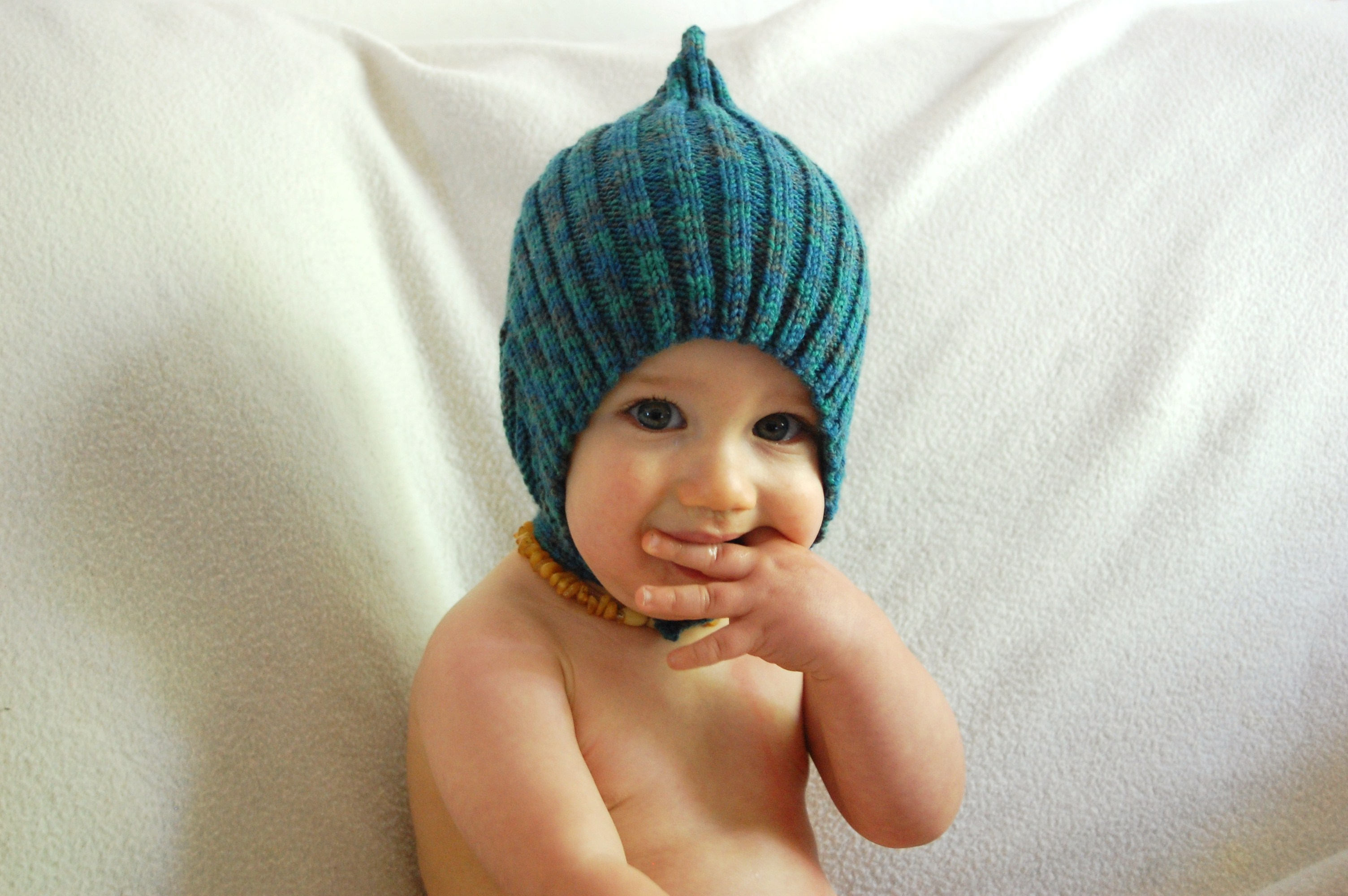 Knitting Pixie Hat Free Pattern : Pixie Hat for Sam Knittybutton